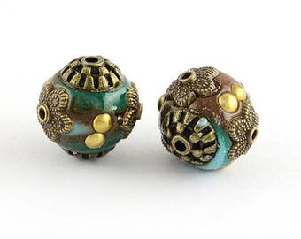 1 turquoise and Brown 14 mm Indonesian bead