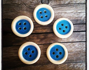 set of 5 wooden buttons, round shaped blue 15mm