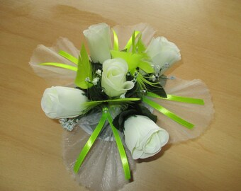 Table centerpiece, wedding, lime green and cream