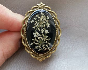 Bronze Retro resin ring with dried carrots wild flowers