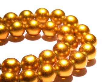 Satin gloss - 10 mm - gold - glass PG101 10 beads
