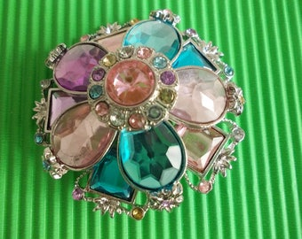 Brooch made of glass beads multicolor flower pattern