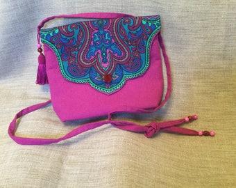 Small purple bag flap cashmere.