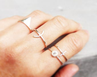 Thin ring * Aria * silver minimalist arc pattern