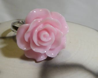Light resin romantic pink flower ring