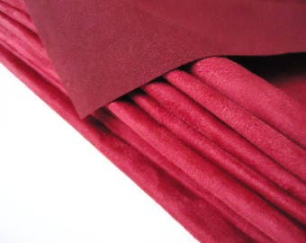 "Coupon - 85cm x 55cm - suede red ""Skin"" quality-"