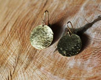 Round earrings in bronze hammered diamond