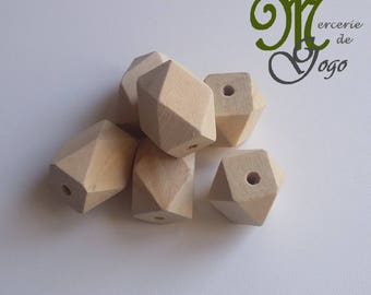 Wooden Hexagon bead natural 2.6 * 2 cm.