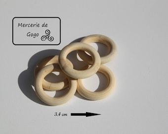 Set of 5 rings wooden 3.4 cm in diameter.