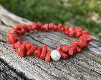 Bracelet elastic with pearls and coral