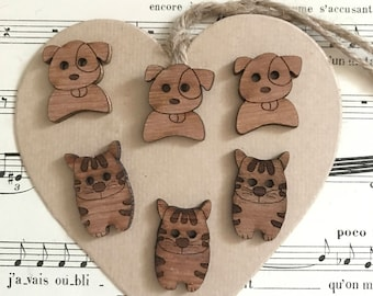 Mixed animal buttons wood