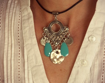 Ethnic necklace, bohemian necklace, Choker, Bohemian pendant necklace, women necklace Hippie Chic necklace Locket necklace, Boho necklace