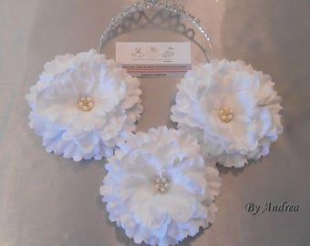 1 big white flower with Rhinestone applique
