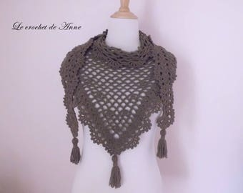 Scarf / shawl Brown taupe, with pretty lace patterns.