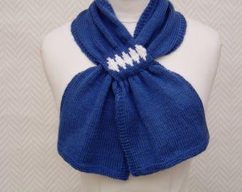 Scarf, hand knitted woolen blue and white Choker