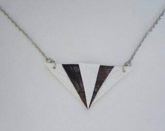 Trendy faux leather - White diamonds necklace