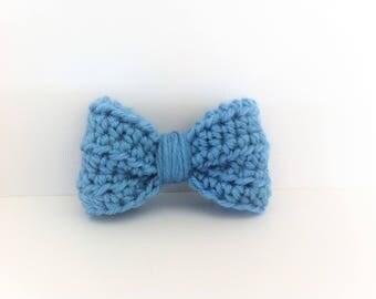 Blue butterfly bow brooch, wool