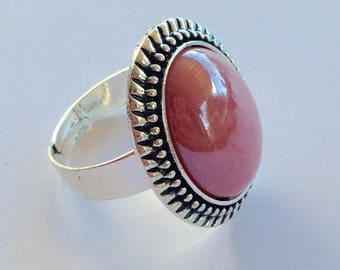 Old Pink mother of Pearl cabochon ring