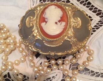 Antique Victorian Cameo