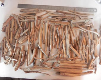 Set of 1 KG of driftwood for your creations