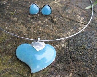 Set earrings and turquoise blue steel and resin Heart Necklace