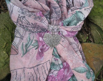 Scarf jewelry pink Paris pattern and heart