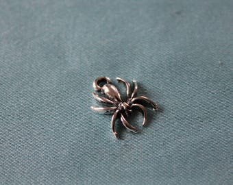 Charm / pendant: cute little spider