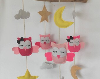 Pink OWL mobile in felt and Driftwood