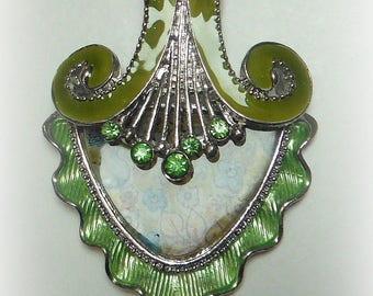 ELEGANT floral, green pendant
