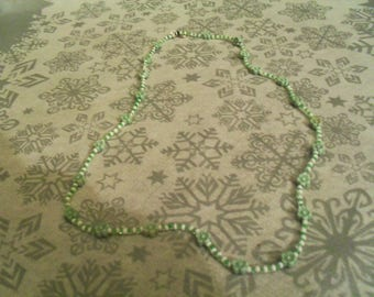 "beautiful necklace ""flower"" original and unique green and white"
