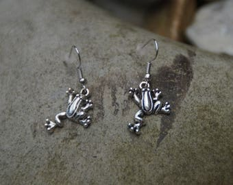 Silver frog shaped earrings