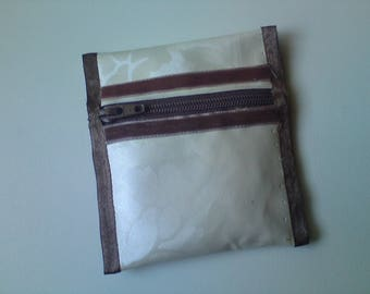 Chic and elegant wallet in coated cotton satin relief pattern