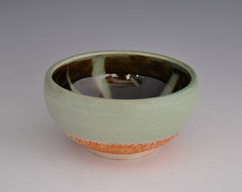 Wheel Thrown Porcelain  Bowl with  Chatter Decoration  /  Celadon and Black Glaze