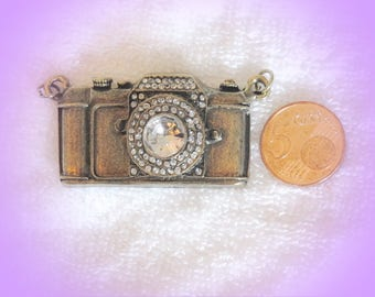 (Large) camera charms