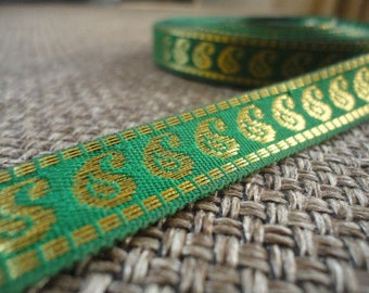 New, green and gold trim, 1.5 cm wide