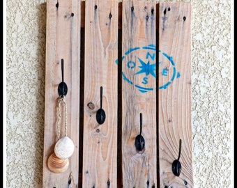 Pallet wood coat rack