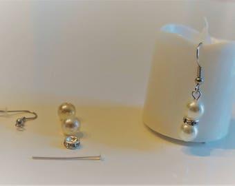 Kit earrings, acrilic, rhinestone beads