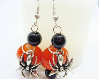 Arachnees spiders Halloween earrings