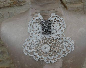 Vintage Ascot crochet vintage ruffled crochet vintage collar, vintage, antique France lace and crochet lace Ascot bow