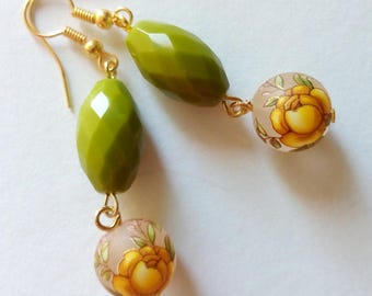 handmade earrings with faceted glass beads and beads decorated with roses/earrings
