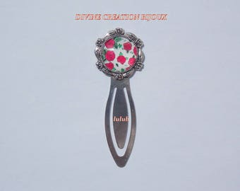 Bookmark silver metal with a glass cabochon depicting red roses