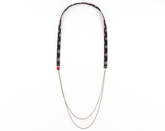 Black sequin BATISTÓ necklace Red