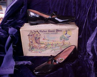 Vintage Black Patent Little Girl Shoes by Mother Goose w Box 1950's