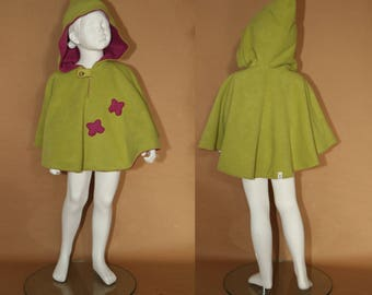IMP - Fleece reversible Cape - 4 years - raspberry and Apple green