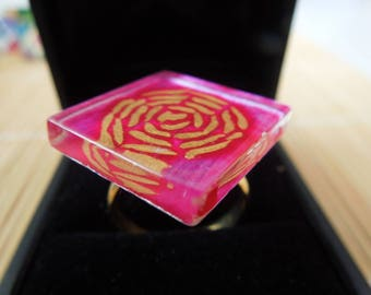 Pink fuschia color glass and gold ring