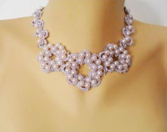 Lace jewelry: necklace frrivolite