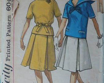 Women's or Misses' Skirt and Top Pattern, Vintage Simplicity 4276 - Junior Size 11, Bust 31.5 - CoPA Pattern circa 1960