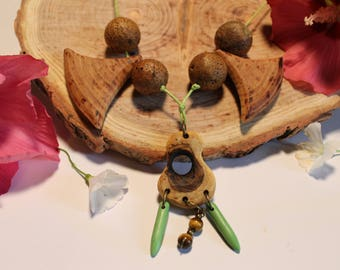 Necklace wood sclupte hand Polish, organic beeswax