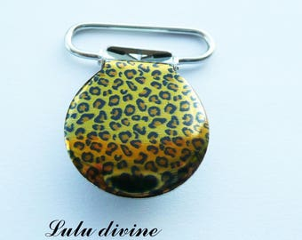 1 strap clip, attach pacifier & yellow plush leopard spots