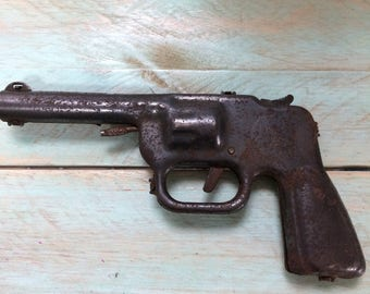 1930s Daisy No. 80 Repeating Water Pistol